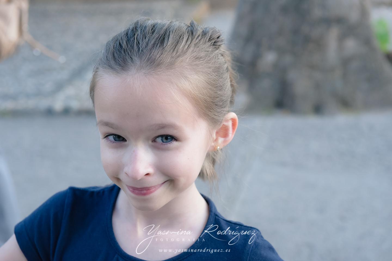 fotografía infantil niña en la alhambra
